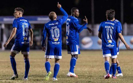 Régis marcou o gol do Cruzeiro na vitória sobre a Caldense (Foto: Gustavo Aleixo/Cruzeiro)