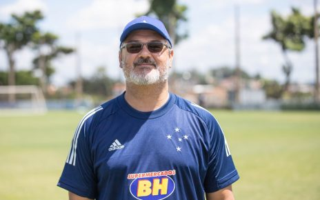 Rogério Micale é o treinador da equipe sub-20 do Cruzeiro — Foto: Igor Sales